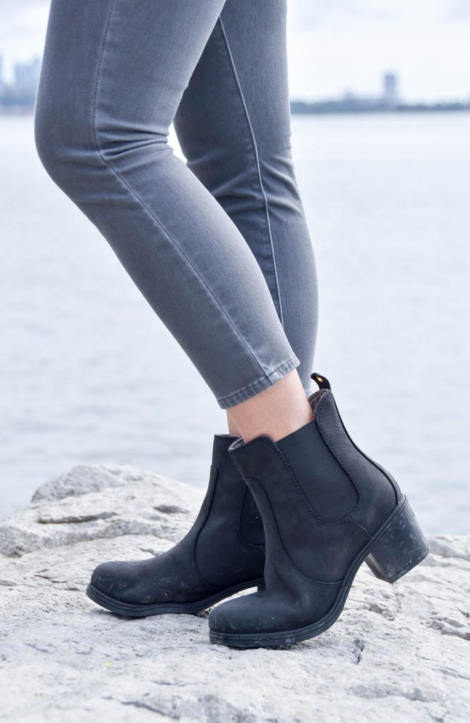 46407c9cbd200 The minimal style on these Kodiak Henna boots make it super easy to match  any casual outfit. It is good for school